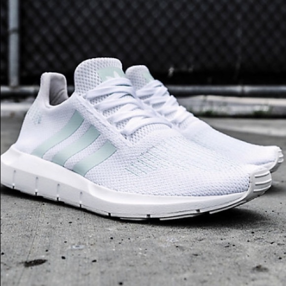 f7627e0a6 adidas Shoes - adidas Swift Run White